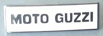 MOTO GUZZI Badge épingle 36mm x 11mm