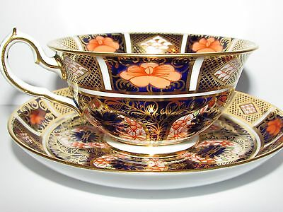 Antique Royal Crown Derby Old Imari Footed Tea Cup & Saucer. c1915 (A)