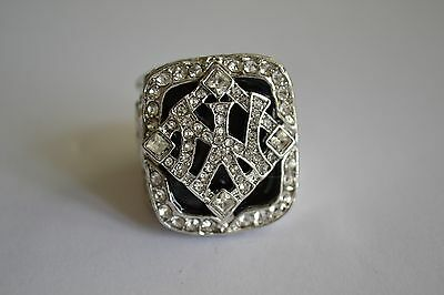 BASEBALL MLB NEW YORK YANKEES World Champions Ring Derek Jeter