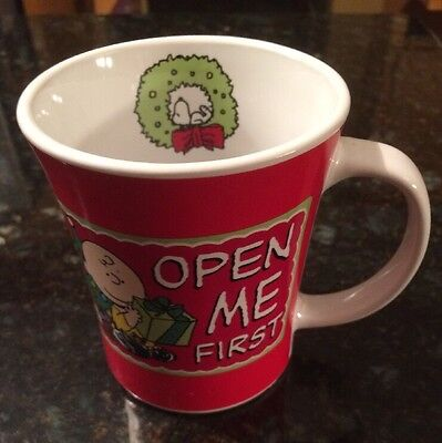 Open Me First Christmas Snoopy 12 oz Peanuts Charlie Brown Ceramic Cup  Mug