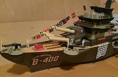 Vintage 1960's Deluxe Reading USS Battlewagon B-400 Ship -nearly complete w/ box
