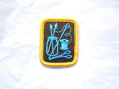 Brownies CRAFTS Badge Patch Crest Girl Guides Scouts Discontinued Needlework