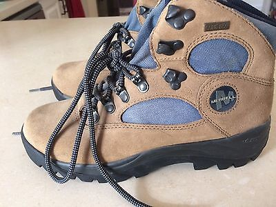 New without tags Merrell Quest Gore Tex hiking boots women's size 37.5