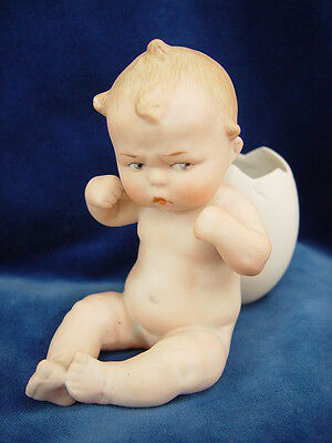 Antikes trotziges Heubach Piano Baby mit Ei c1910 antique grumpy piano baby
