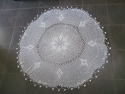 BEAUTIFUL WHITE  HAND CROCHETED ROUND  COTTON TABLECLOTH 140 cms across