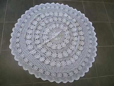 WHITE CROCHETED FLORAL MEDALLIONS ROUND COTTON TABLECLOTH 120 cms across