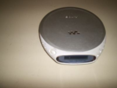 Sony Discman Classic Portable CD Compact Player D-180AN