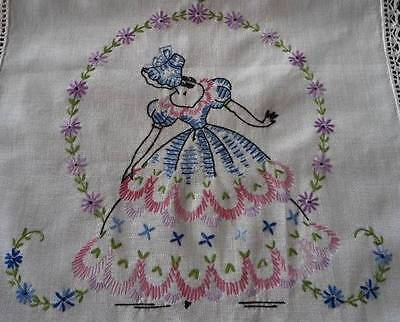 Vintage Southern Belle Lilac Embroidered Table Runner Dresser Scarf American Thr