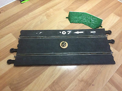 RARE VINTAGE SCALEXTRIC 1960s JAMES BOND 007 TRACK / ROCK AND GRASS BANK