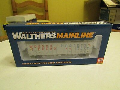 Walthers Mainline Hostess Wonder Bread Boxcar