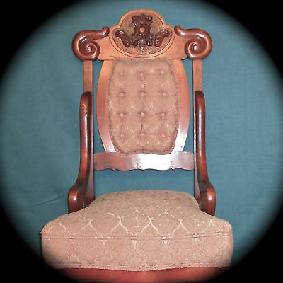 Carved Comfy Victorian Chair w/Tufted Upholstery in Great Ready to Use Condition