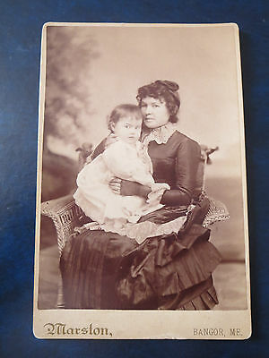 """VINTAGE PHOTOGRAPH  4""""x6"""" 1880's CABINET PHOTO WITH CREEPY LOOKING CHILD.  USA"""