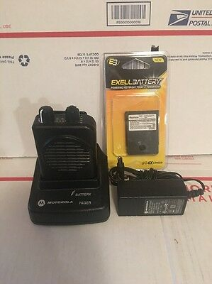 MOTOROLA VHF MINITOR V * SV / 2 CH * 151-158 MHz * NEW BATTERY AND USED CHARGER