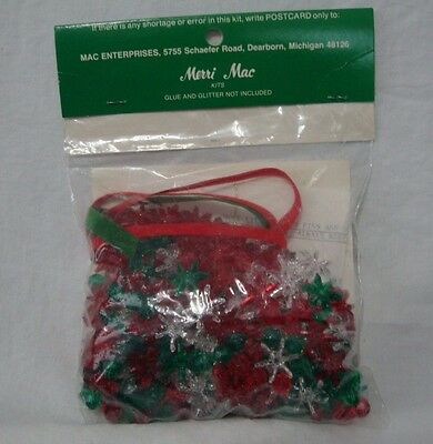 Vtg Petal Bead Wreaths Kit Christmas Ornaments Red Green Clear Tiny Treasures