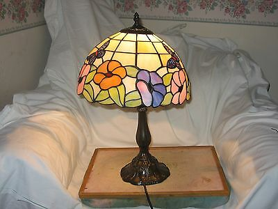Tiffany style table lamp.31 CM WIDE & 49 CM HIGH.free UK delivery
