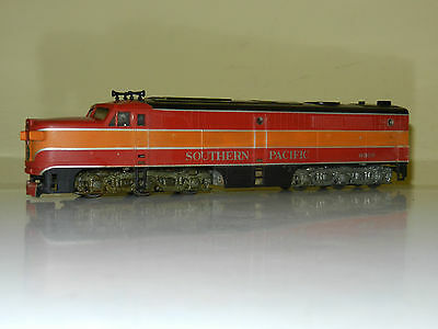 Athearn Powered Pa1  Southern Pacific Sp Engine Locomotive Ho Scale Excellent