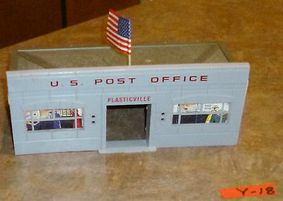 Plasticville  Post  Office   With  ( Tooth Pick  Flag)  And  Box  O-Scale  Y-22.