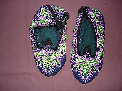 #815  Beautiful Vintage Hand Made House Slippers Small/Medium 9''(22cm)