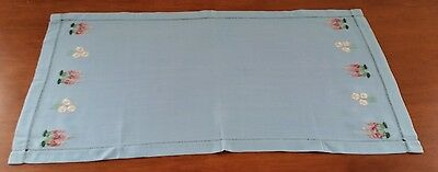 Mid 20th Century 1950s BLUE Rayon Linen FLORAL Embroidered Table Runner Centre