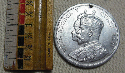 Coranation Medallion King George V Queen Mary Great Britian 1911