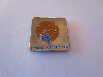 St Quentin Basketball Metal Pin Badge