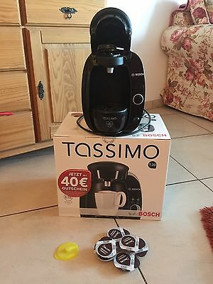 tassimo kaffeemaschiene top wie neu plus kapseln eur. Black Bedroom Furniture Sets. Home Design Ideas