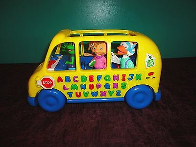 Leap Frog Friends Interactive Fun & Learn Abc  Phonics Bus