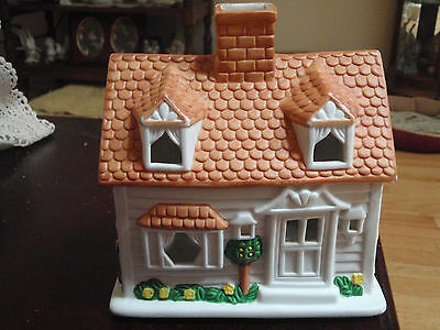 Partylite Porcelain House with flowers all around tealight