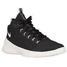 Nike Hyperfr3sh basketball shoes in black - UK size 8.5