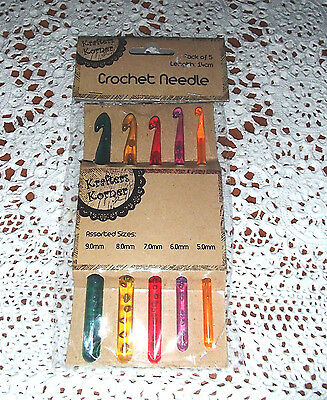 Pack of 5  crochet hooks 5mm/6mm/7mm/8mm/9mm in assorted colours