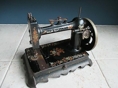 Rare antique cast iron New National sewing machine early 1900