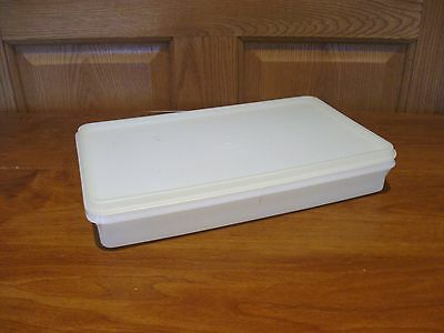 "TUPPERWARE vintage 7"" x 11"" bacon/deli/cheese snack keeper container-white w/lid"