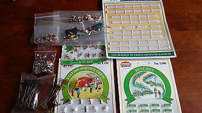 Scenic Items Benches, People, Fence Etc Bulk Lot As Shown Unboxed N  Gauge(G)