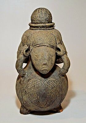 Beautiful Old Mangbetu pottery vessel w/ Three ancestor figures & Spherical lid