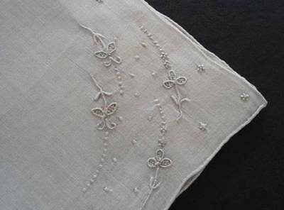 NWT Vintage Linen Wedding Hanky Madeira Tiny Hand Embroidered Flowers Bridal