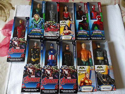 lot de 11 figurines ,avengers,batman, spider-man neuf en boite
