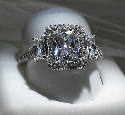 925 SILVER 3ct  EMERALD CUT HALO ENGAGEMENT RING .... SIZE 8