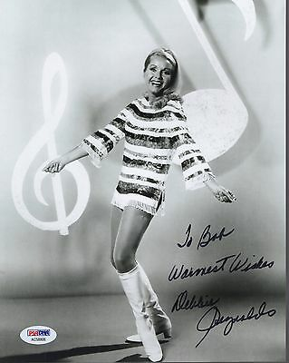 DEBBIE REYNOLDS HAND SIGNED 8x10 PHOTO        YOUNG+CUTE IN GO-GO BOOTS      PSA