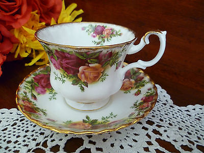 Tea Cup & Saucer Old Country Roses By Royal Albert Made In England