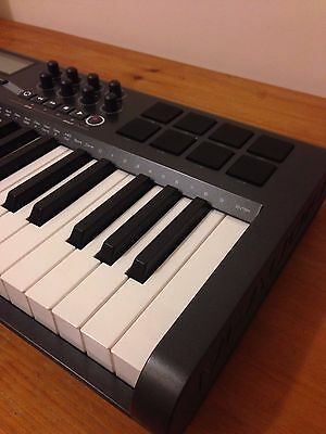 M-Audio Axiom 25 Keyboard USB Midi Controller + box excellent condition