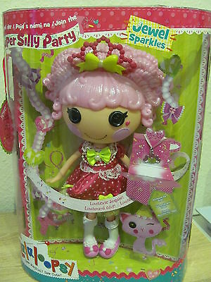 Lalaloopsy 536215GR Lalabration Crumbs , limitierte Puppe , NEU/OVP