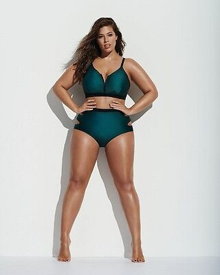 ASHLEY GRAHAM PHOTOGRAPH 19 - quality glossy A4 print