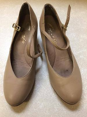 Ladies Character Dance Shoes Tan size 7.5