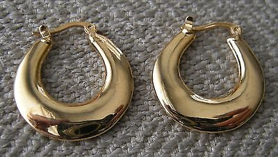 NEW Vtg 80s Simple Gold Tone Flat Hoop Earrings Lever Back Closure NOS