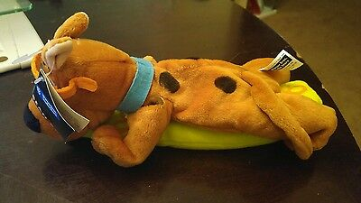 Warner Bros store Scooby Doo Surfer w/ surfboard bean bag plush New with tags