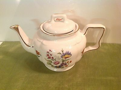 Arthur WOOD England Gold and Floral TEAPOT # 5665 Footed/4 Cups Multicolor/white