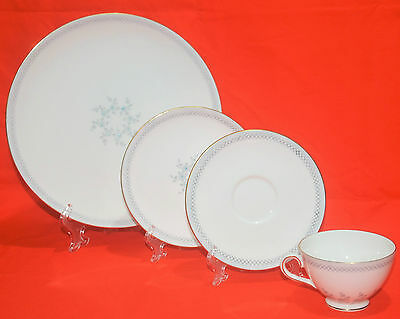 Tuscan Fine English Bone China Caprice, 4 Piece Place Setting Made in England