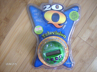 Radica: 20 Q Television~2007 I Can Read Your Mind-Green Handheld Electronic Game