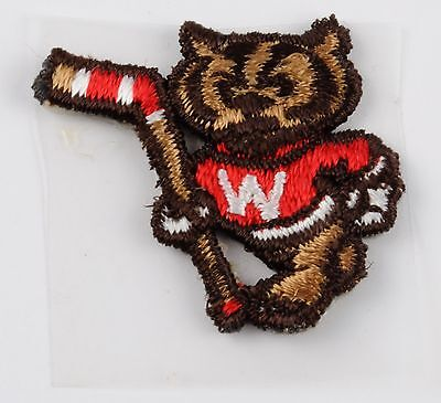 WISCONSIN BADGERS HOCKEY Vintage BUCKY BADGER Embroidered PATCH NCAA WI College