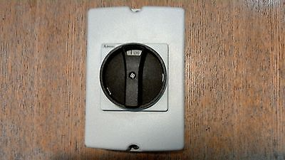 25 A   2 POLE  ENCLOSED ISOLATOR ...NEW... last one bargain..